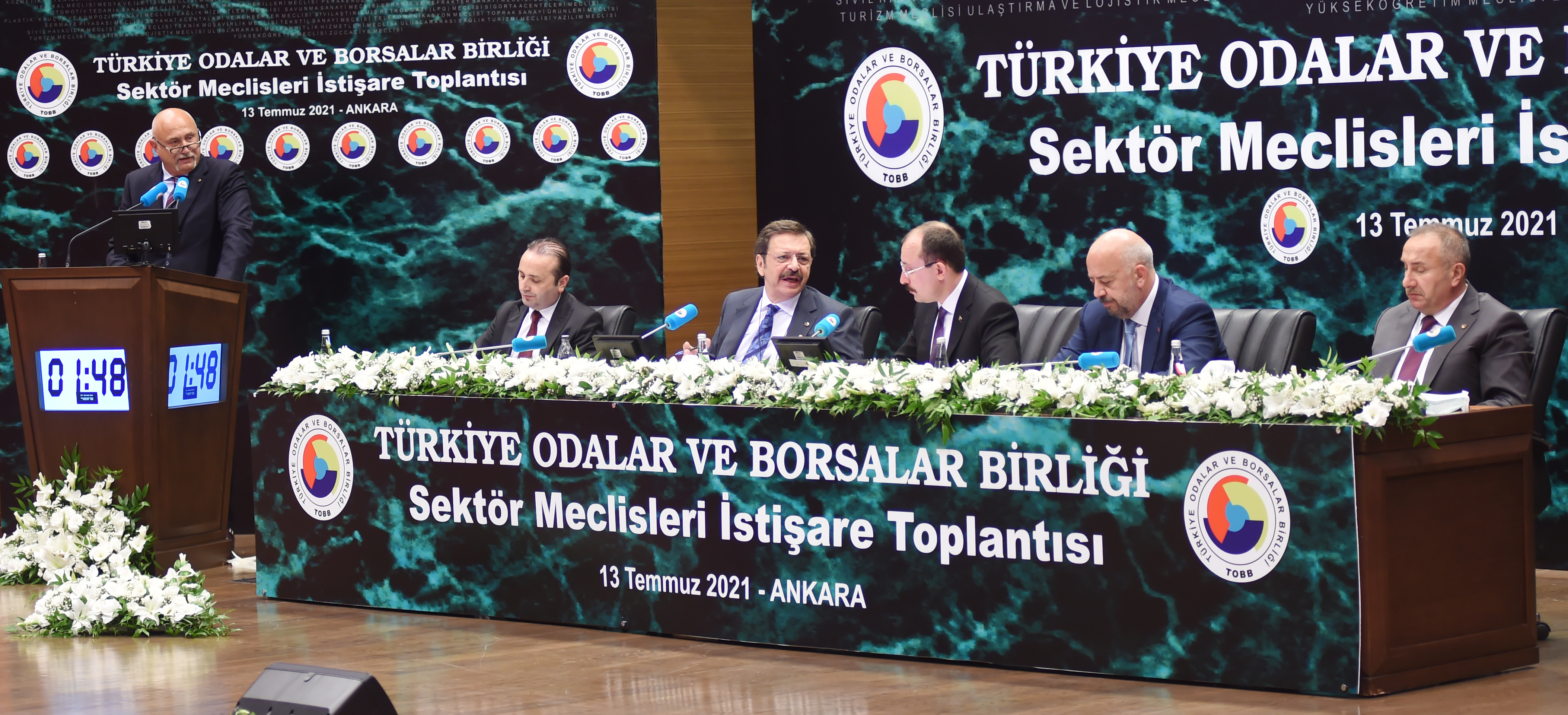 TOBB Deri ve Deri Ürünleri Sanayi Meclisi Başkanı Sn. Muhittin Savranoğlu sektörel konularda bilgi verdi