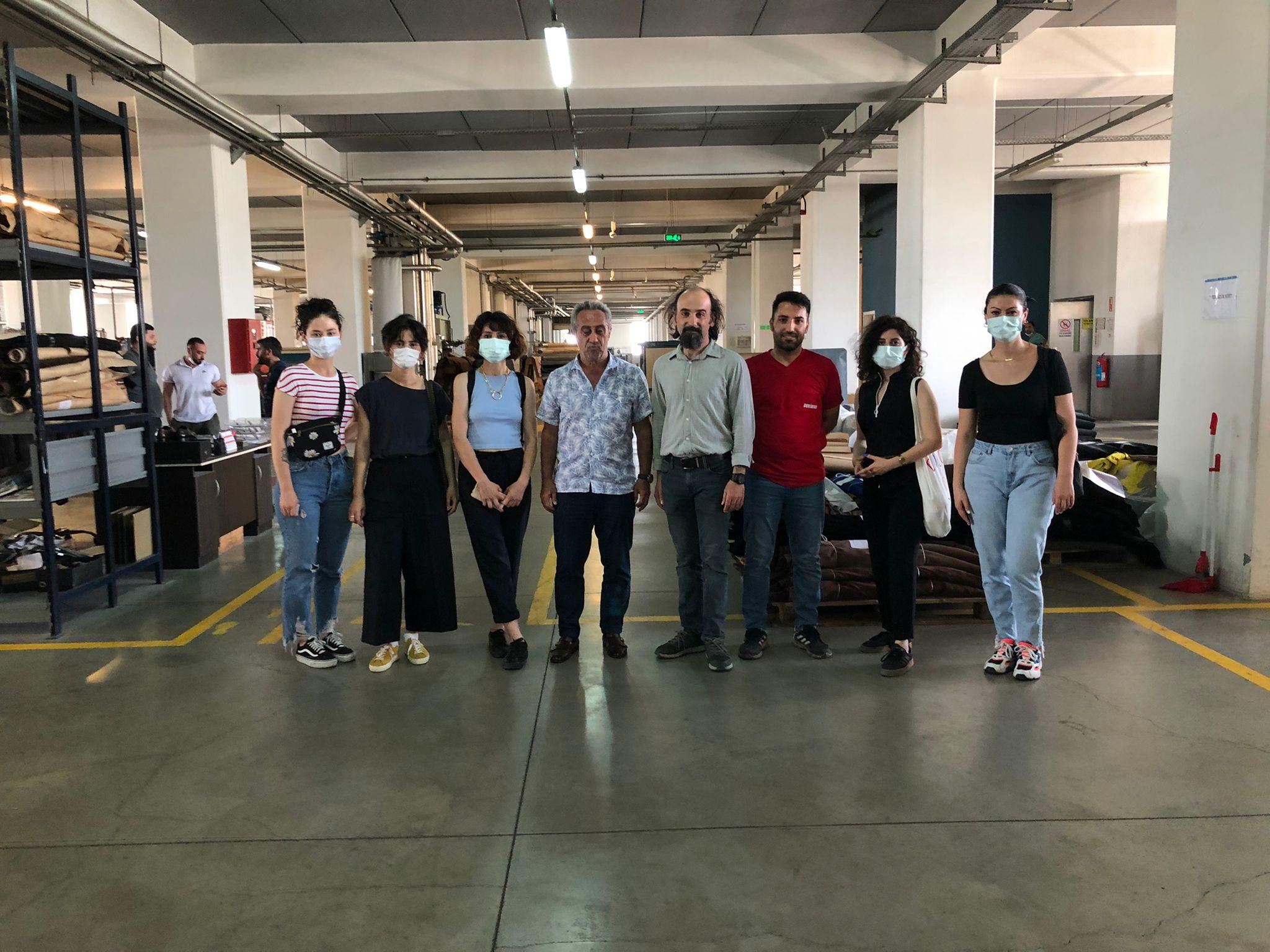 İDMİB İşbirliği ile Istanbul Moda Akademisindeki Genç Tasarımcılarımıza 'Deri''yi ve derinin öyküsünü anlattık.